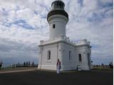 少し狭いですが、灯台中に登れます。