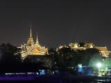 ライトアップされた王宮は綺麗でした