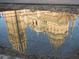 水面に映る大聖堂