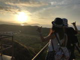 登山途中でパチリ。綺麗な朝日です。