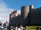 ウインザー城とたくさんの観光客♪