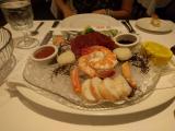 エビ・蟹・ホタテ・マグロの刺身が美味しかったです。