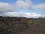 空港からの景色はひたすら溶岩台地が続く
