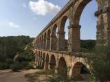 壮大な水道橋