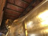 黄金の涅槃仏はスケールが半端ない