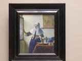 「水差しを持つ若い女」By フェルメール