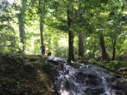 休憩したきれいな滝