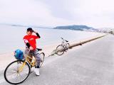 租借自行車出來就是一條長長的美麗海岸線